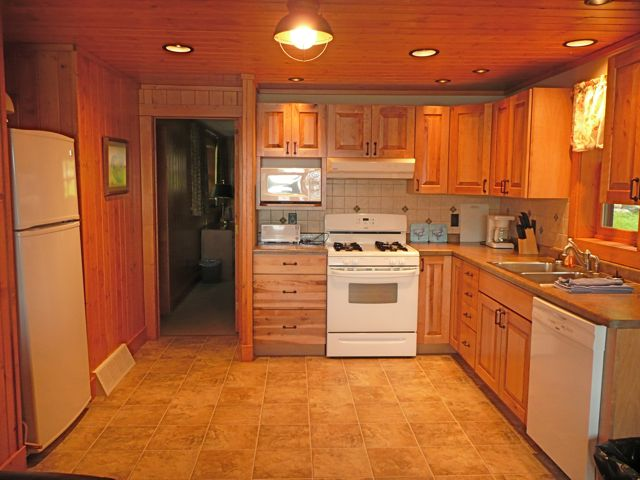 Kitchen in Wood Duck