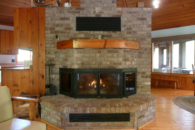 Large Central Fireplace in Fox Den